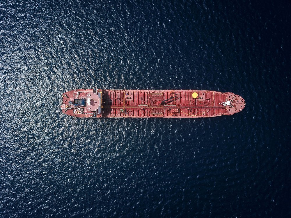 world's biggest container shipper commits to carbon neutrality by 2050 -