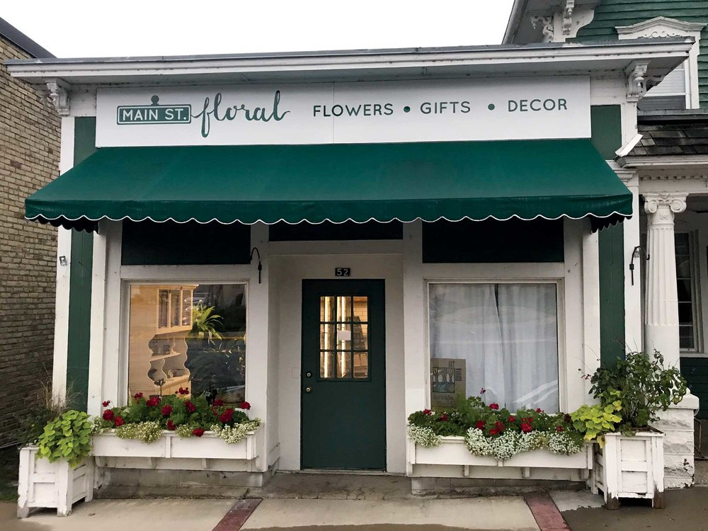 Our Story - Jennifer and Andy purchased Curly Willow from the Hammer's in August of 2018. Curly Willow had been a fixture in the retail community in Waconia for over 20 years. They had established a reputation for great customer service and exceptional quality. Main Street Floral plans to continue and build upon that legacy…