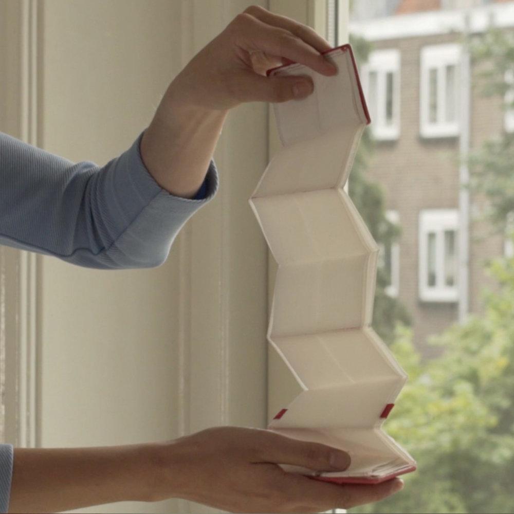 EVERLESS-GYRE-smartbag-origami-minimalist-design.jpg