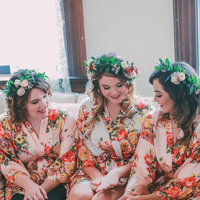 Flower crowns for everyone! Did you know instead of a bridesmaid  bouquets, you could do crowns/combs or more elaborate corsages instead? I'll be posting some pictures soon of our bangle corsages we have recently started doing.  I am pretty excited about them!!! Photography by @kelsie.mcnair