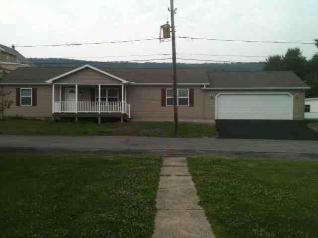 weiss home garage & porch front copy.jpg