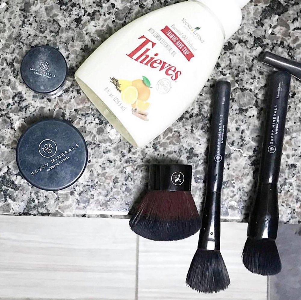 makeupbrushtip.jpg