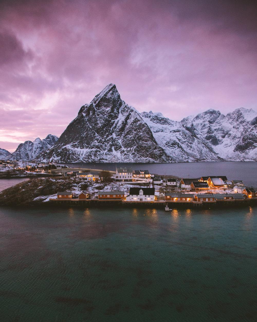 Sakrisøy in Lofoten by Mads Nordsveen photography
