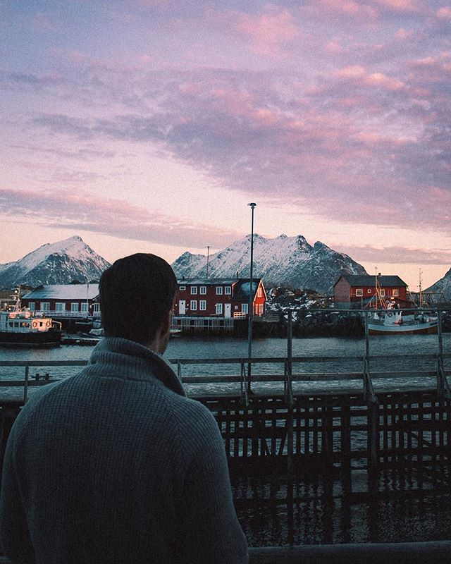 Surrounded by mountains in @Lofoten🏔 Mornings here is the best!💆🏻♂️