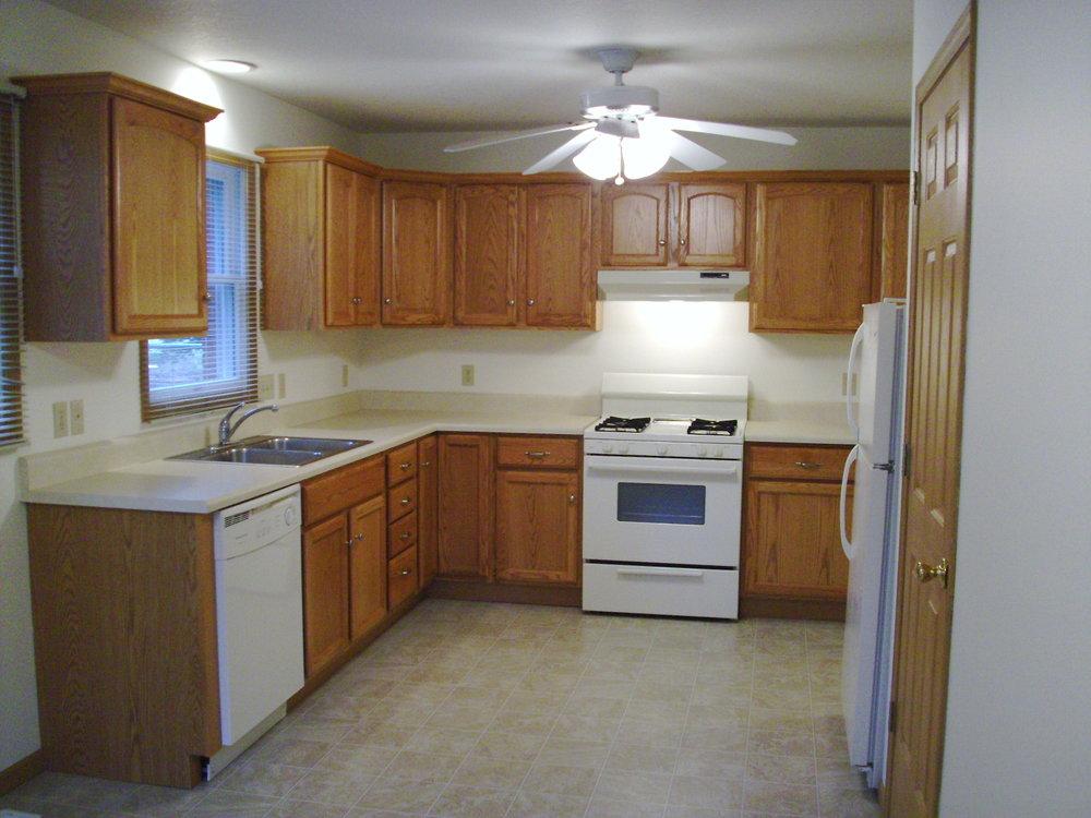 1741 kitchen.JPG