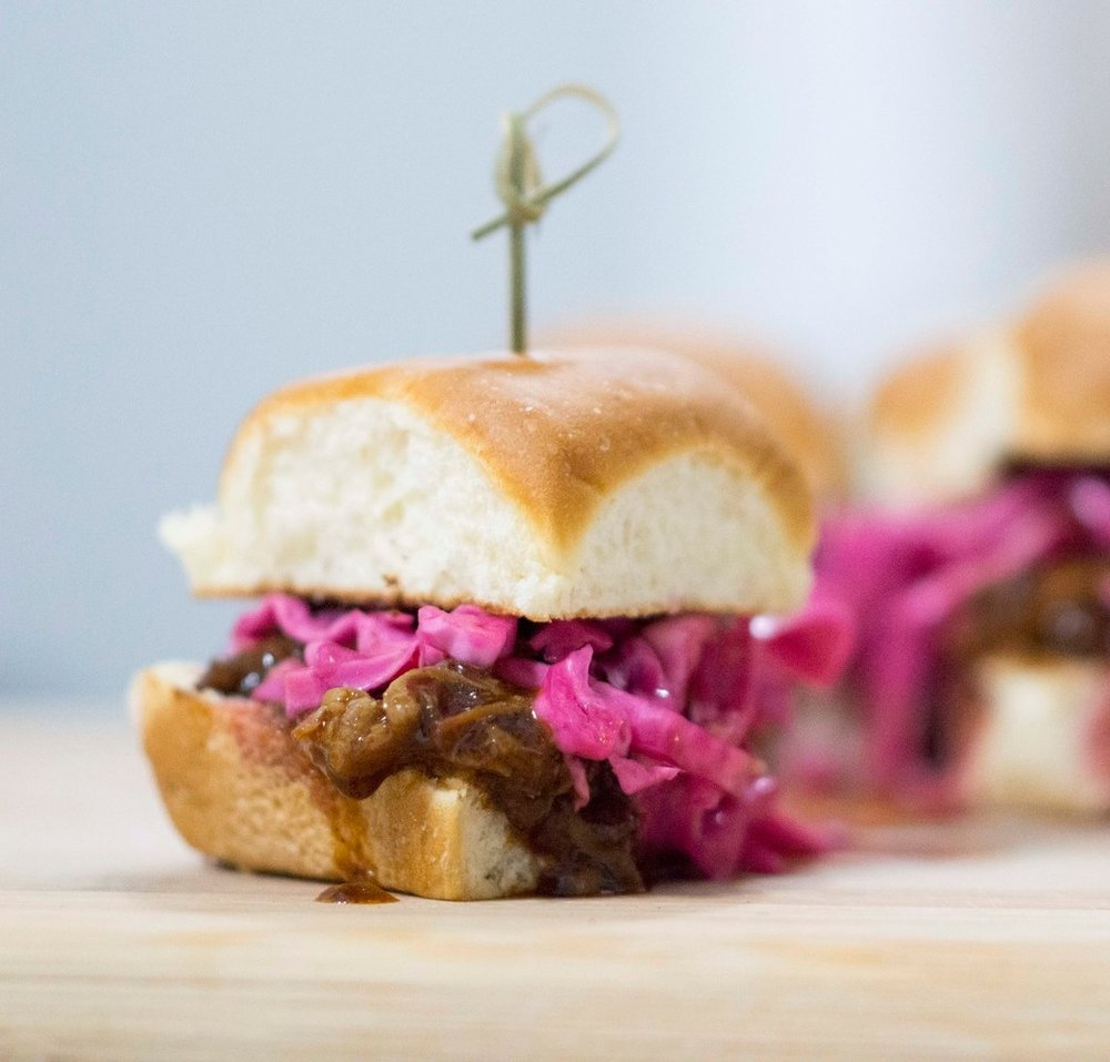 pulled-pork-sliders-with-pickled-red-cabbage_0448.jpg