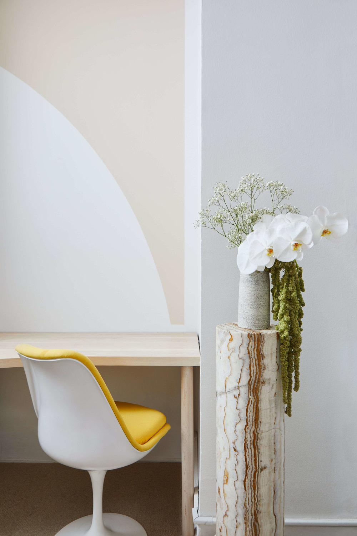 Desk_Vignette_2_Chair.jpg