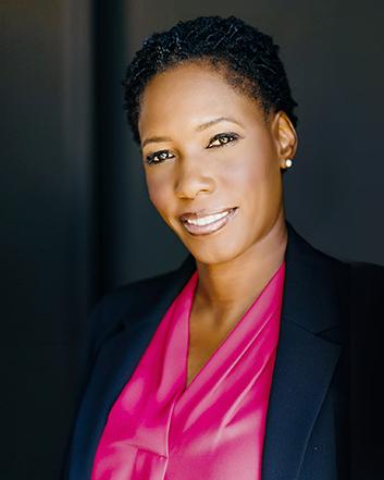 Monique Earl .png