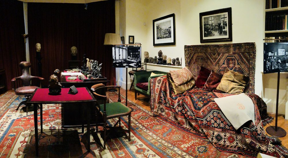 Freud's study and  the famous couch