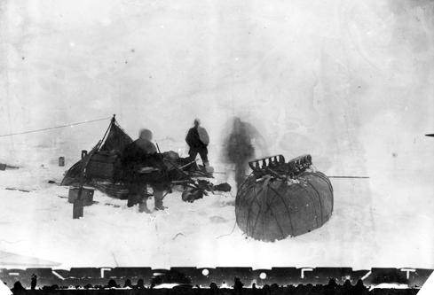 [Fig.2] NILS STRINDBERG All at the campsite. Circa July 26th /28th 1897 Self portrait, 1897 Courtesy Gränna Museum, Sweden