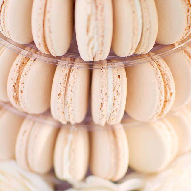 Vanilla macarons 😍
