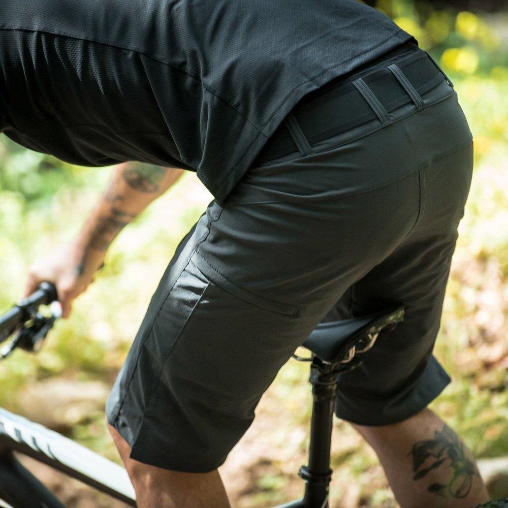 traverse-all-mountain-mtb-riding-shorts-missionworkshop3_1024x1024.jpg