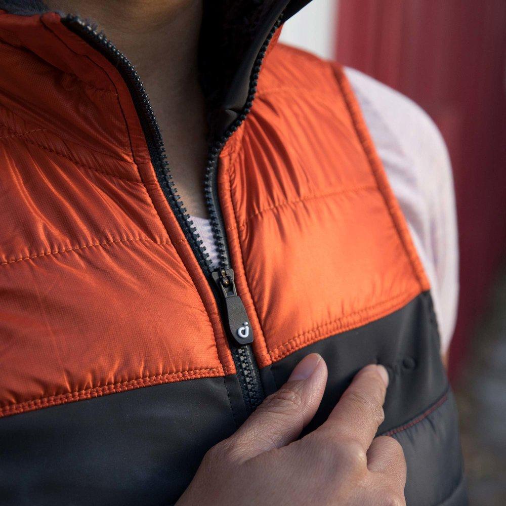 recon-vest-fire-red-zipper-detail.jpg
