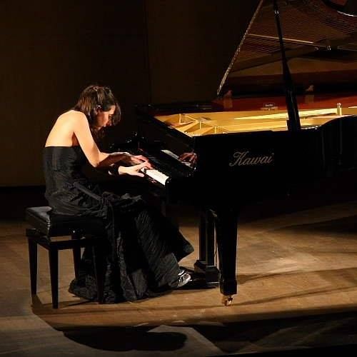 Maria Perrotta    Pianiste