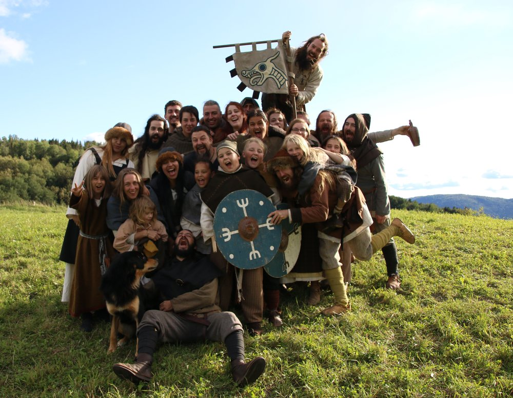 The Troupe d'Aegir, a local living history group partnered with Vikingård