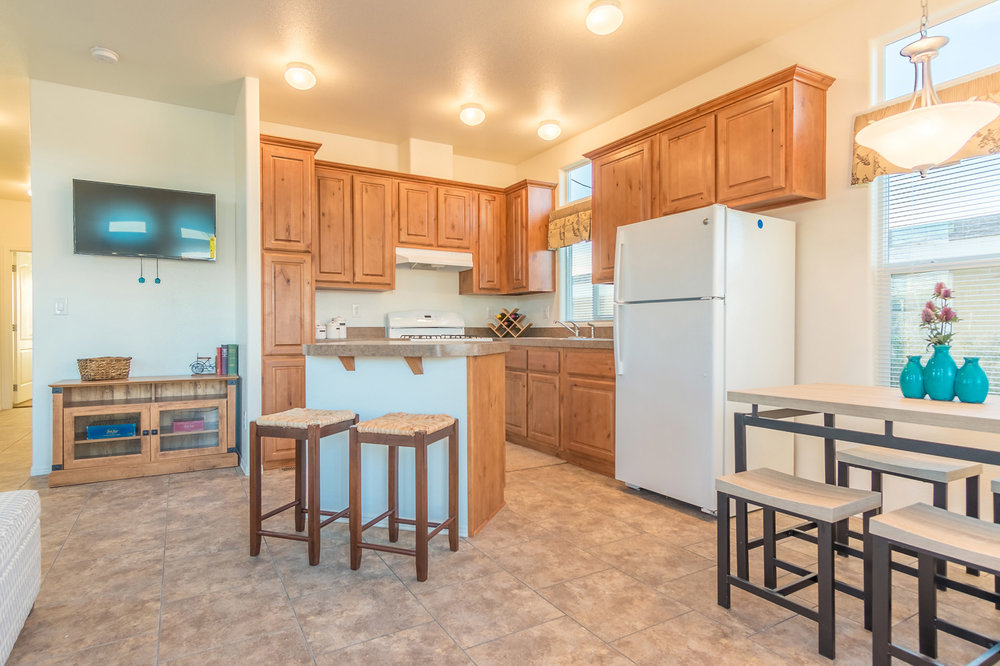colorado-river-vacation-rental-kitchen.jpg