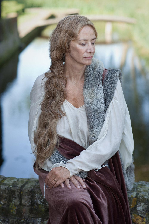 Jacquetta Woodville (Janet McTeer).jpg