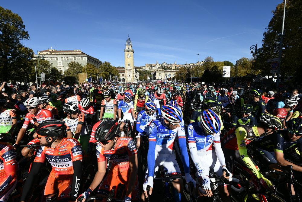ibt-il-lombardia-race-start.JPG