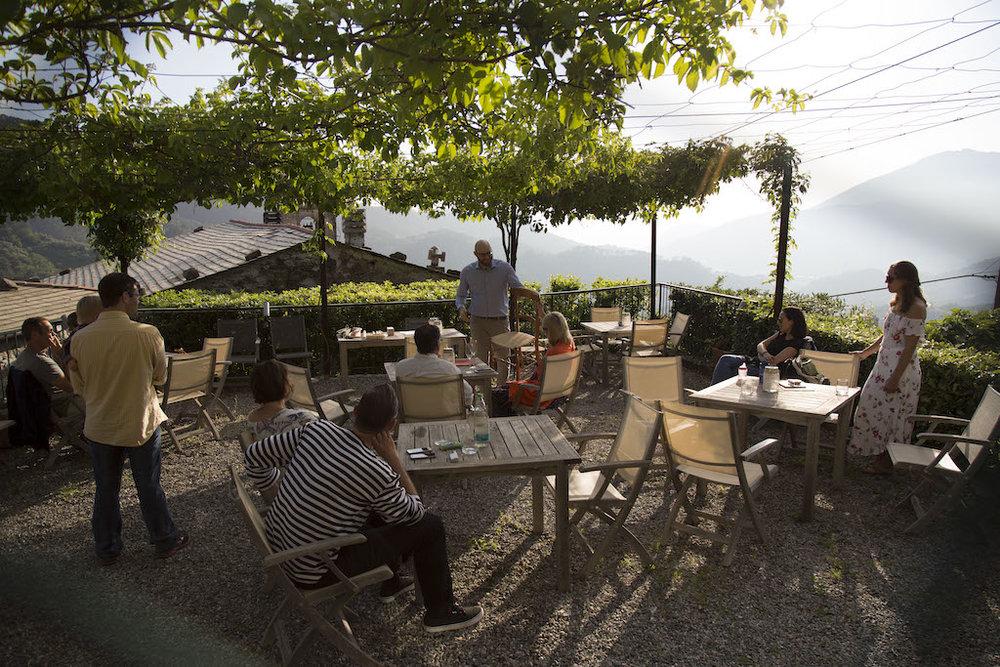 ibt-la-sosta-di-ottone-outdoor-dining.JPG
