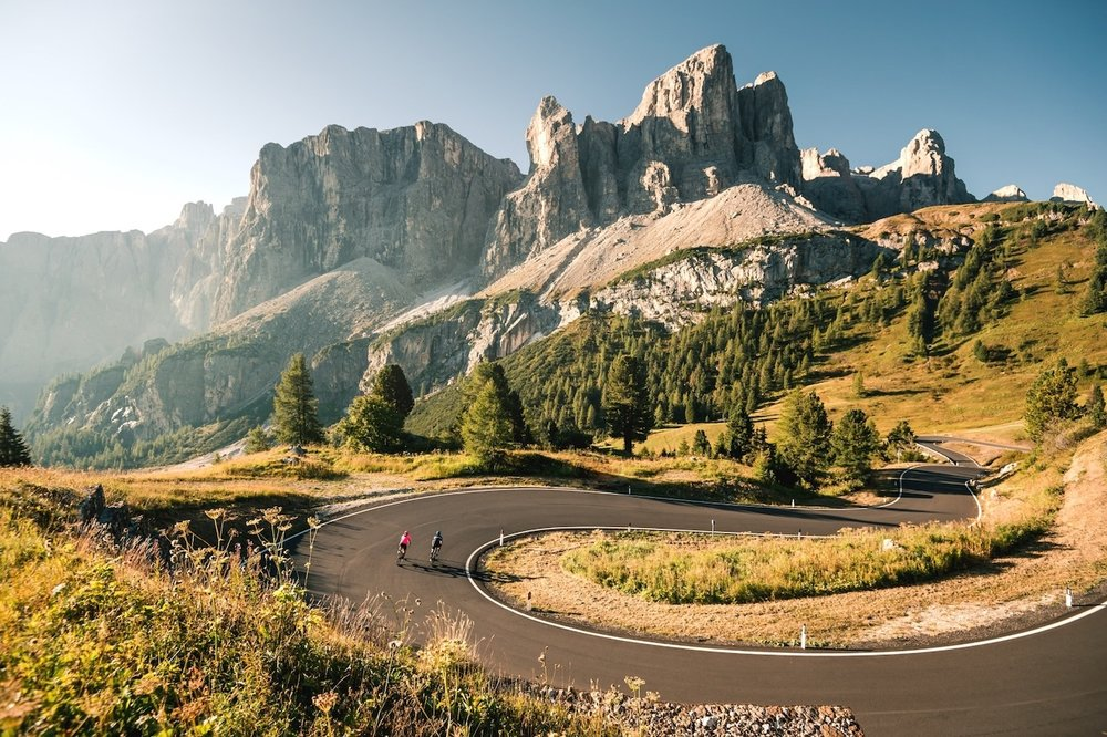 italy-bike-tours-passo-gardena.jpg