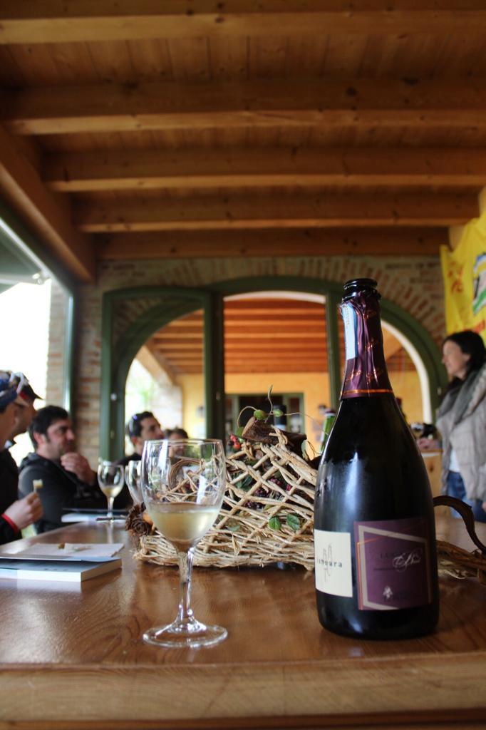 italy-bike-tours-franchacorta-tasting.jpg
