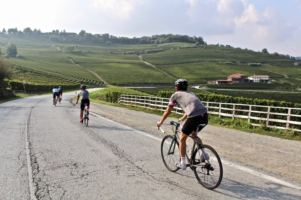 italy-bike-tours-lakes-riders.jpg