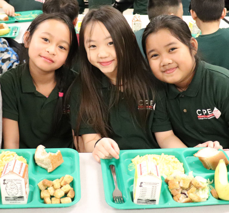 lunch_girls.jpg