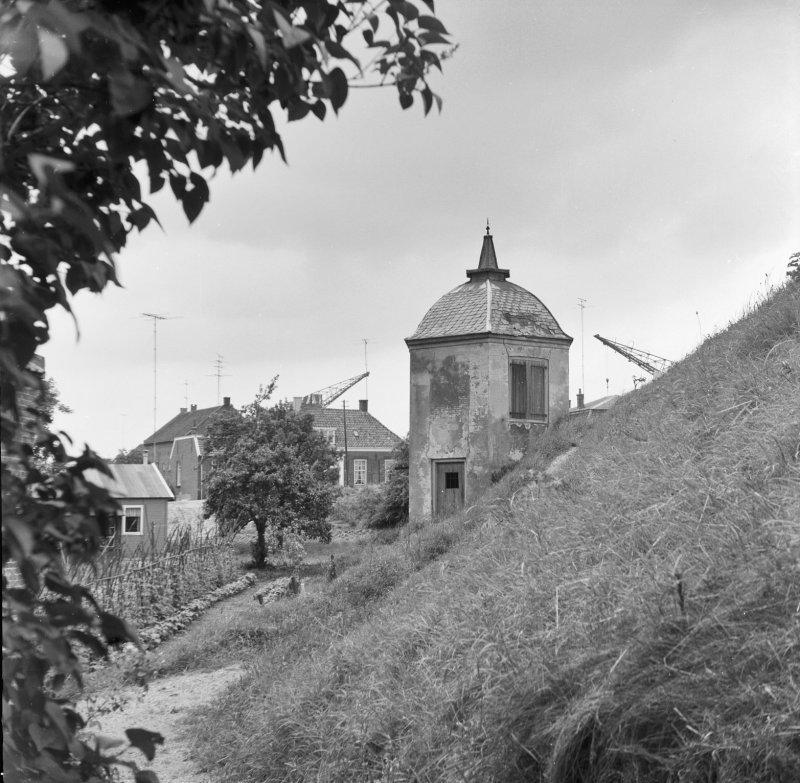 Het theekoepeltje vóór de restauratie in 1971