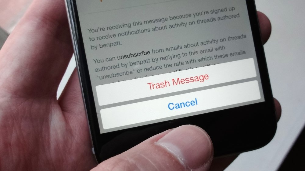 annoying-ios-features-ask-before-delete-email_2-100605912-orig.jpg