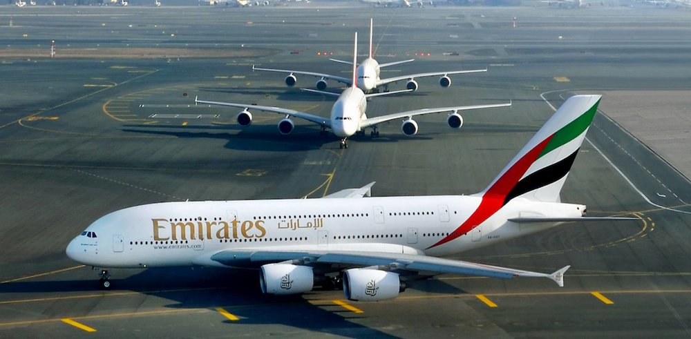 emiratesa380low_.jpg