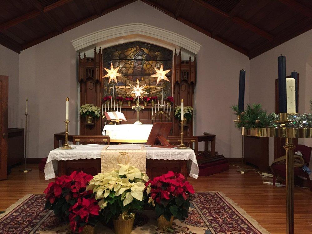 altar christmas2.JPG