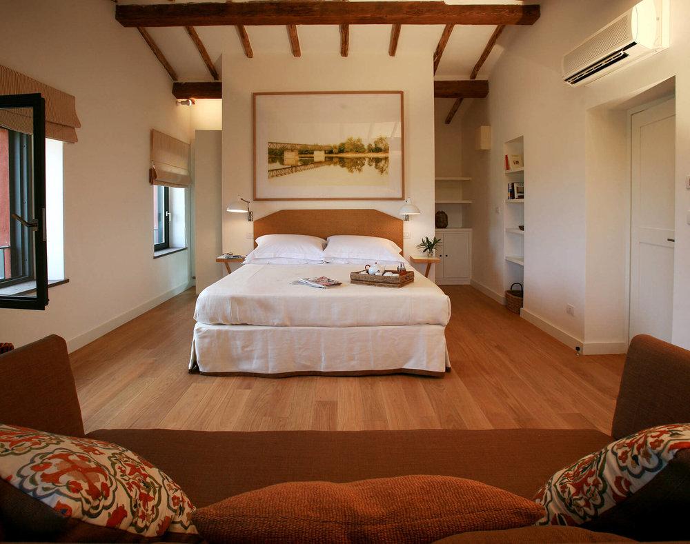 Home-camere-Junior-suite-2 balcony.jpg
