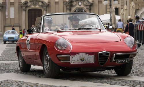 Elegant rounded styling and graceful handling: the Alfa Romeo Duetto Spider