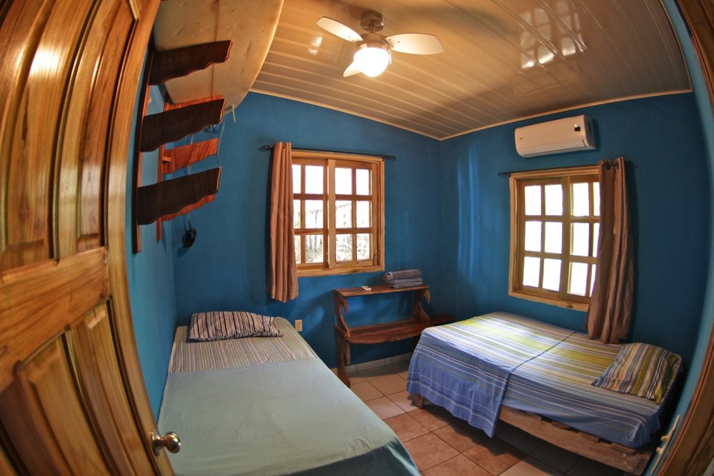 OPTION 1 - SHARED ROOM W SHARED BATH AT BOARDERS HAVEN   Room with Air conditioning, shared bath with hot shower and communal kitchen