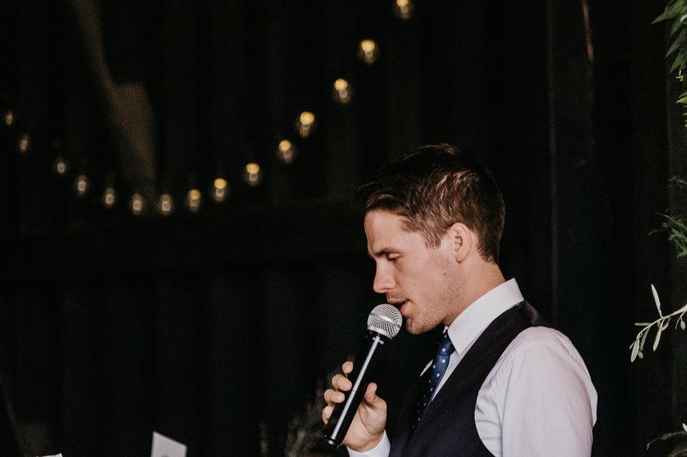 Kent-Barn-Wedding-photographers-2.jpg