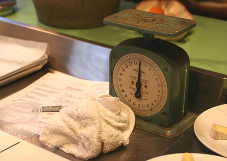 Vintage scale, used for class.