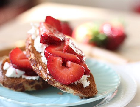 Strawberries and crostini