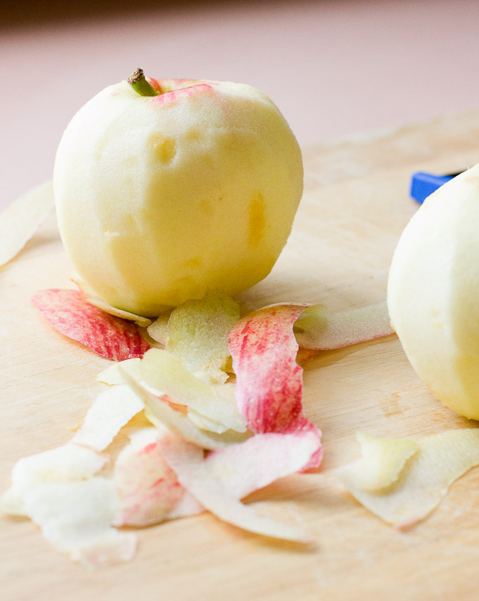 Peeled apples a (1 of 1)