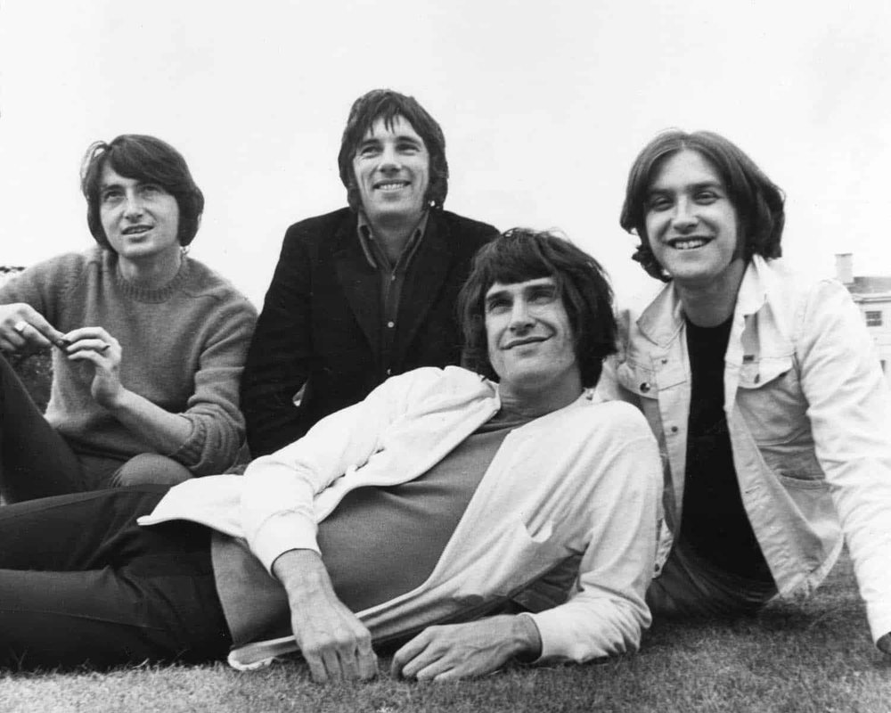 KINKS_MONO_PHOTO_4-©-Barrie-Wentzell.jpg