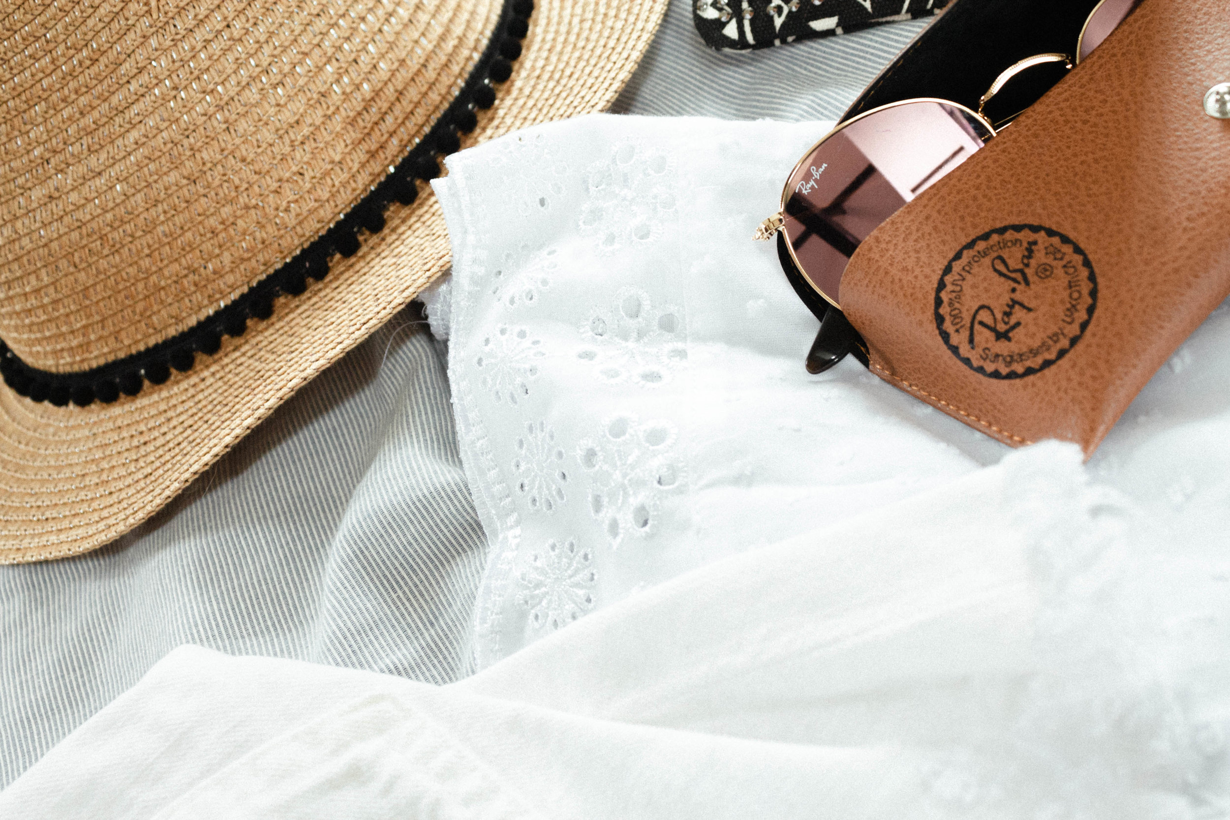 Summer holiday Wardrobe dress accessories
