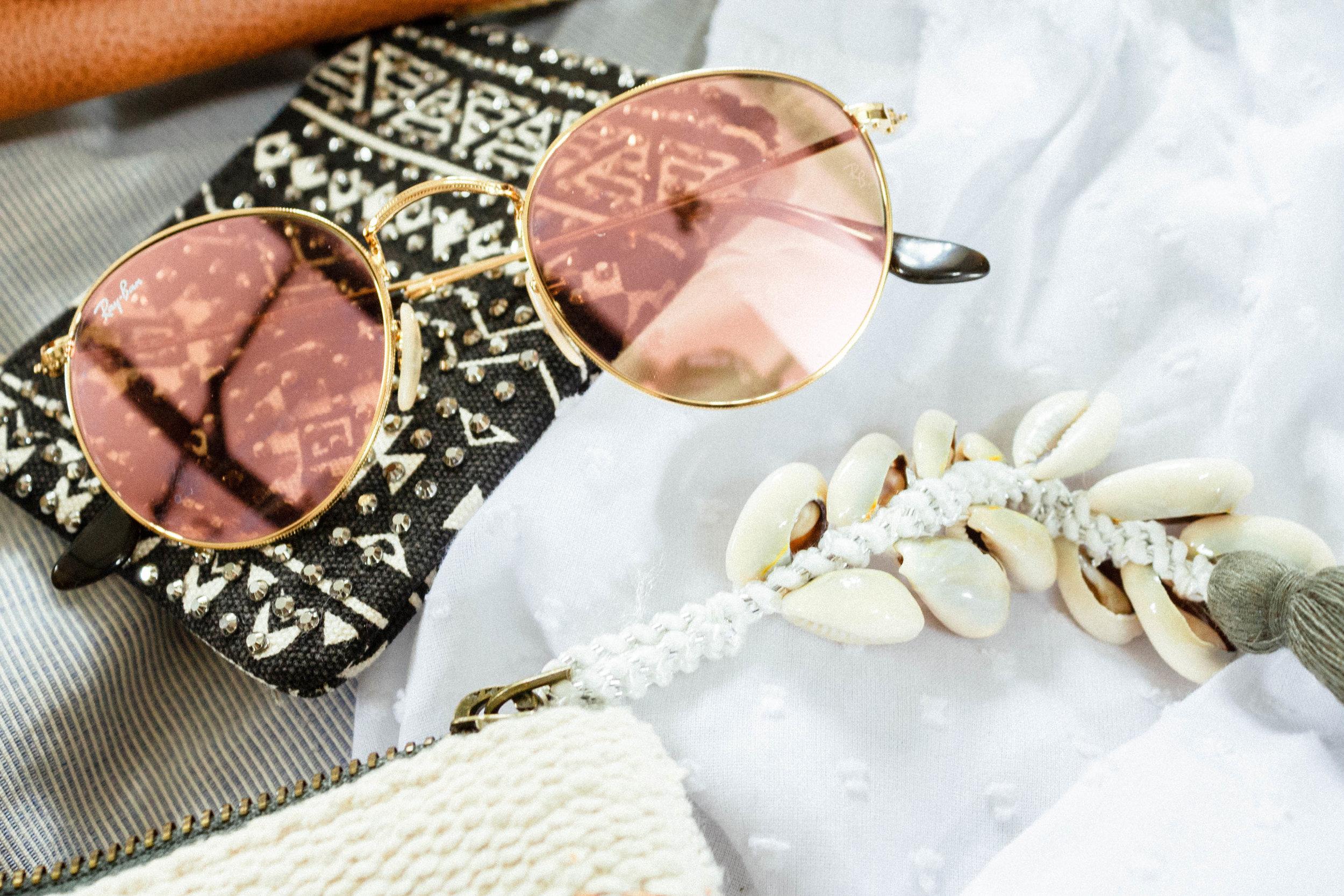 Summer holiday wardrobe accessories