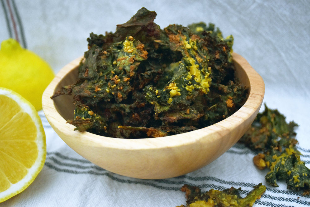 the easiest tangy kale chips - with clumps of noochy goodness