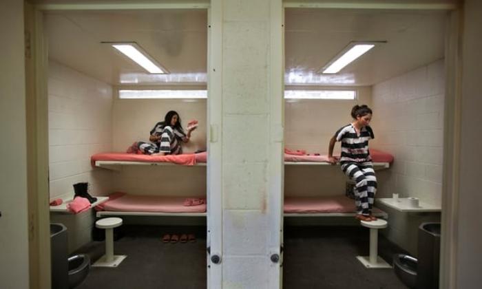 Women+periods+in+prison.jpg