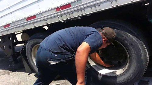 truckflattire-1.jpg