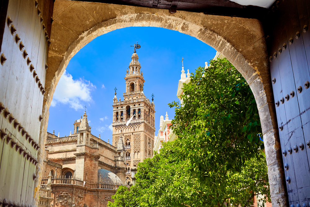 Sevilla's Secrets - On this tour you'll discover the city through its well-kept secrets, its mysteries and its obscure past.