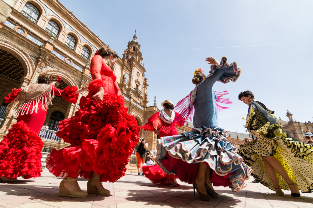 Flamenco & Tapas Tour - Discover the magic of Flamenco during a delicious evening in the best and most hidden tapas places of the City!