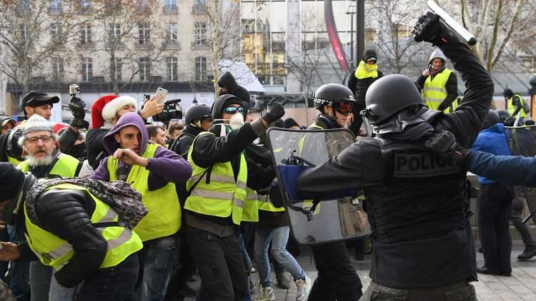 parisprotest.png