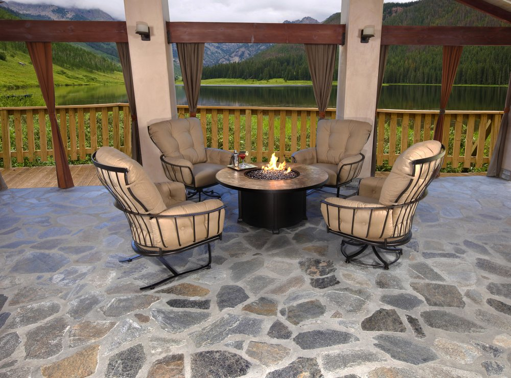 Monterra Chat group with OW LEE firepit. Firepit is CUSTOMIZABLE with 14 Porcelain TOP options and 13 FINISH options.