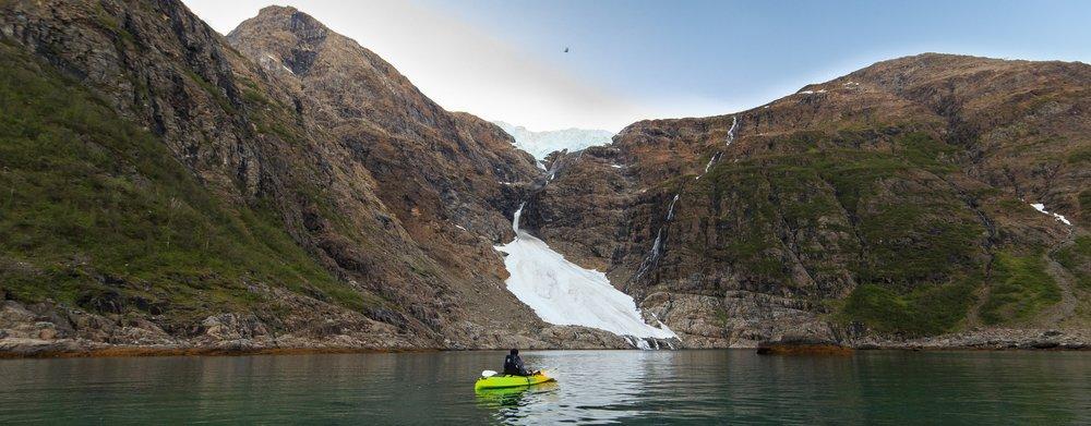 Kayaking to the glaciers break site - Jøkelfjord