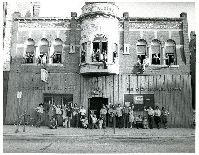 Students outside the Old Town School of Folk
